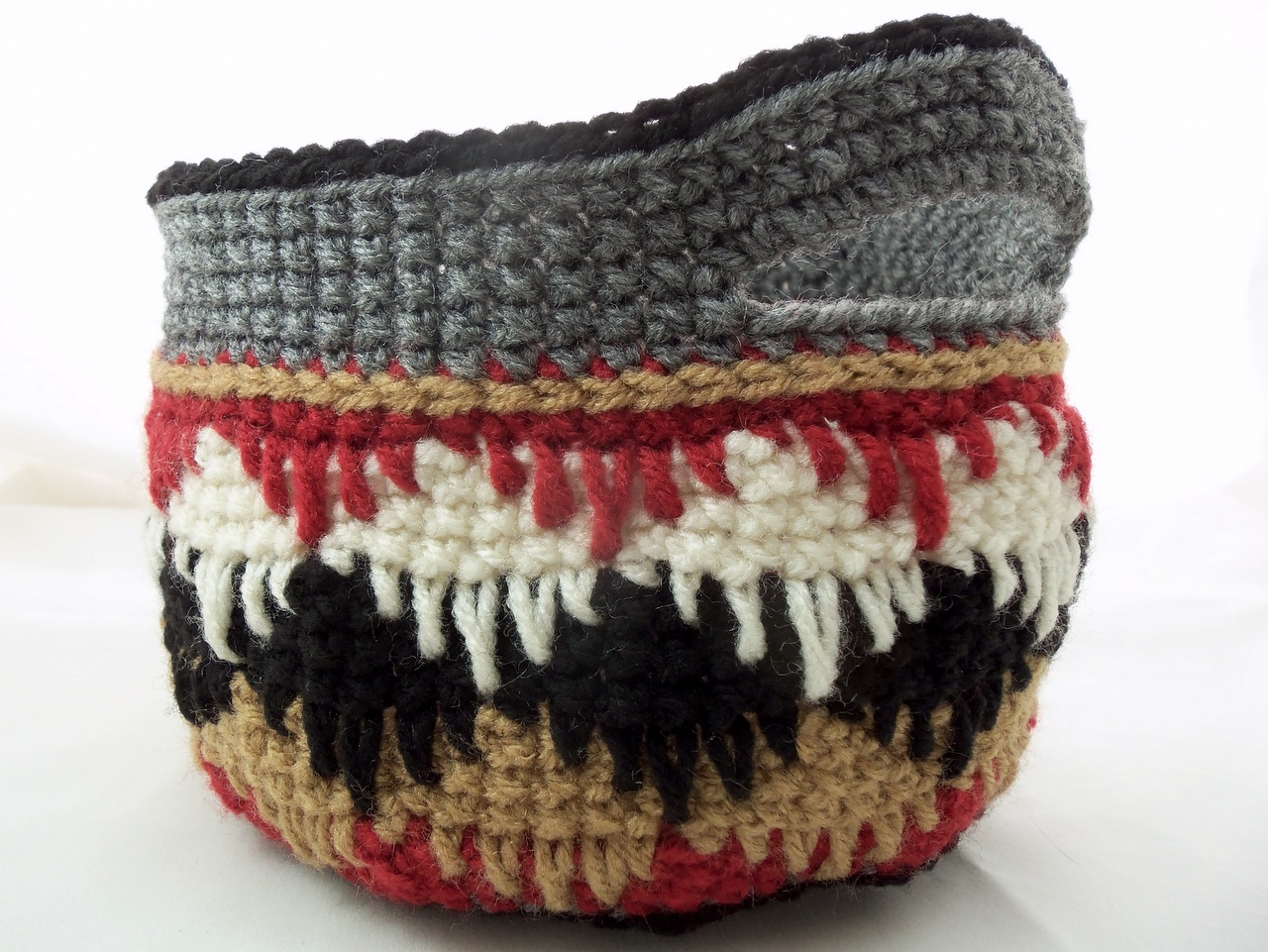 Free Crochet Pattern: Eye Dazzler Basket | Deborah Lee Soltesz