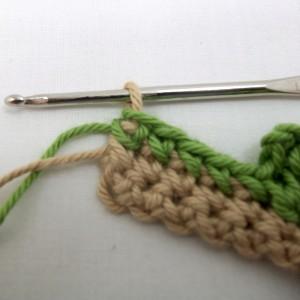 Switch to background yarn